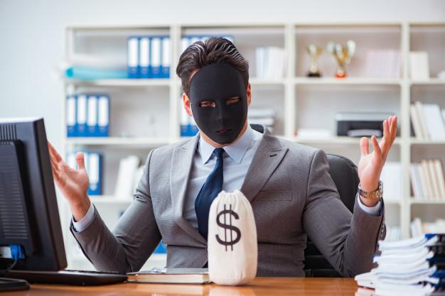 Betrüger mit Trading Signalen lügt