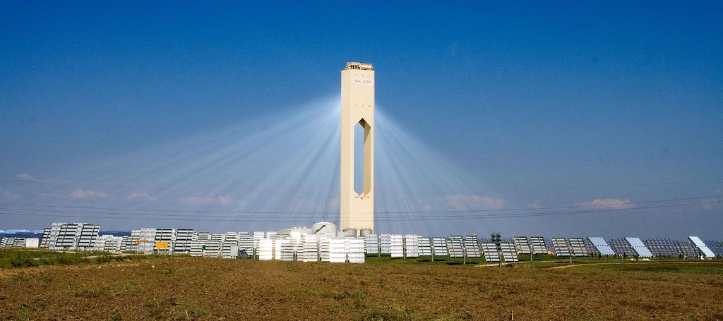 Solarthermie Solarfarm eneuerbare Energien Aktien kaufen