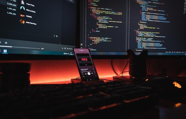 Trading Setup mit verschiedenen Monitoren